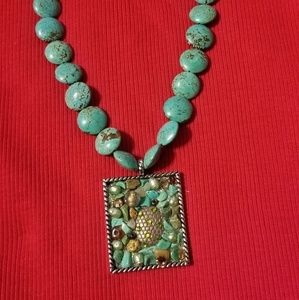 """Jewelry - Beautiful Chunky Turquoise Necklace - 16"""" long"""